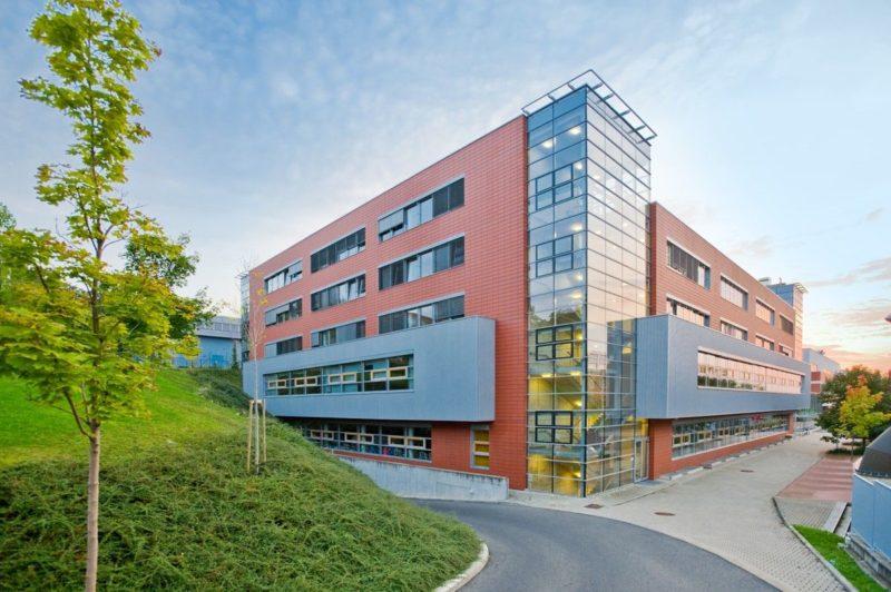 VŠE - здание